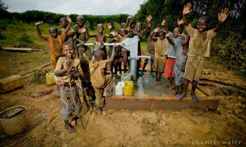 5 Nonprofits Doing Twitter Right - Charity Water