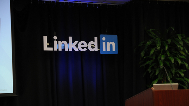 Find Inspiring Influencer Content Directly From LinkedIn's Search Box