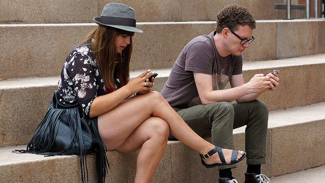 texting pair