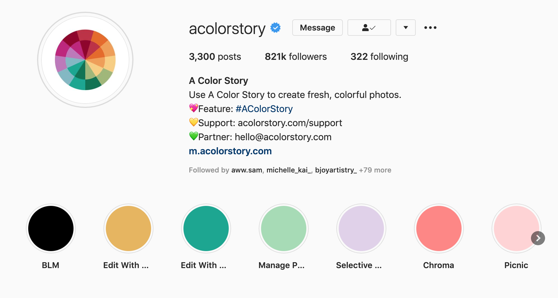 brand community - a color story hashtag